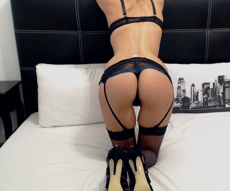 hot butt on bed